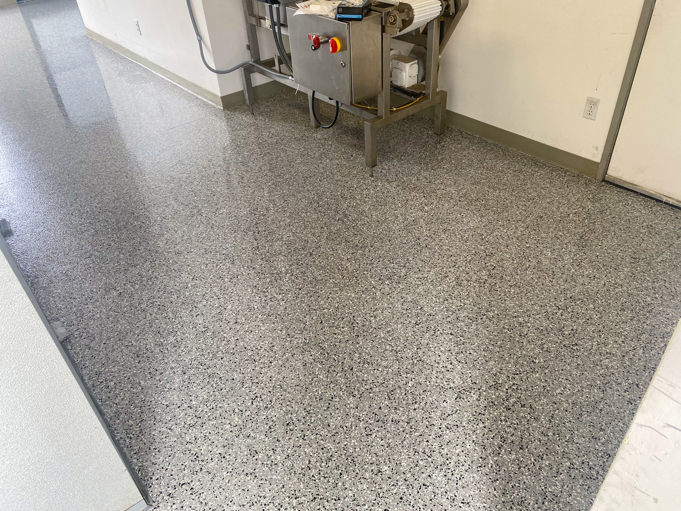 Concrete epoxy coating in a commercial kitchen